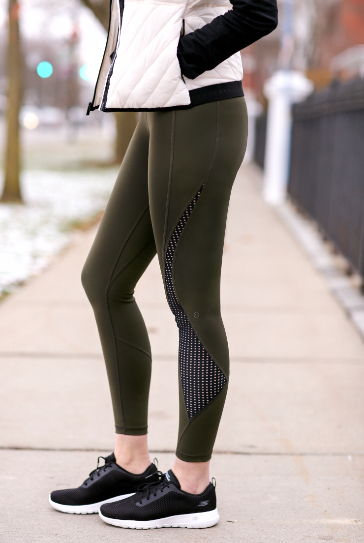 Shape Divine Capri Leggings