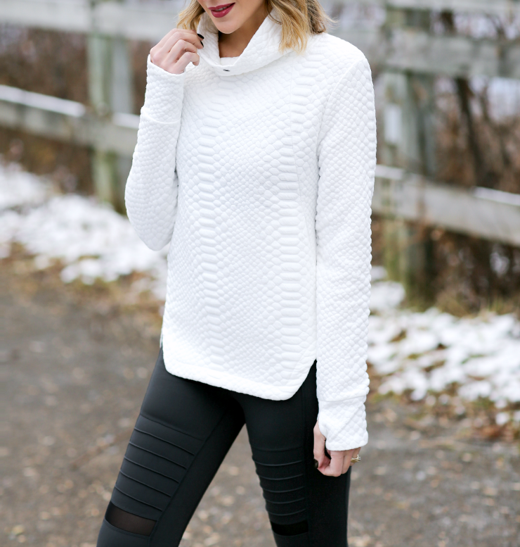 Shape Sunday Pullover