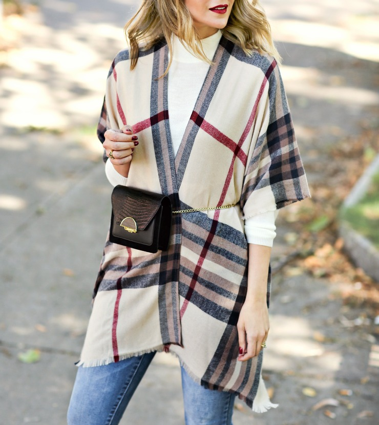 how to wear a belt bag in fall