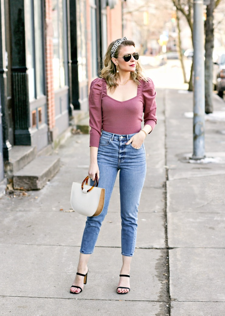 date night mom jeans outfit