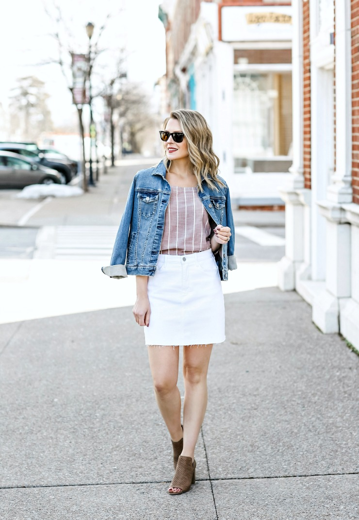 how to style a white denim skirt