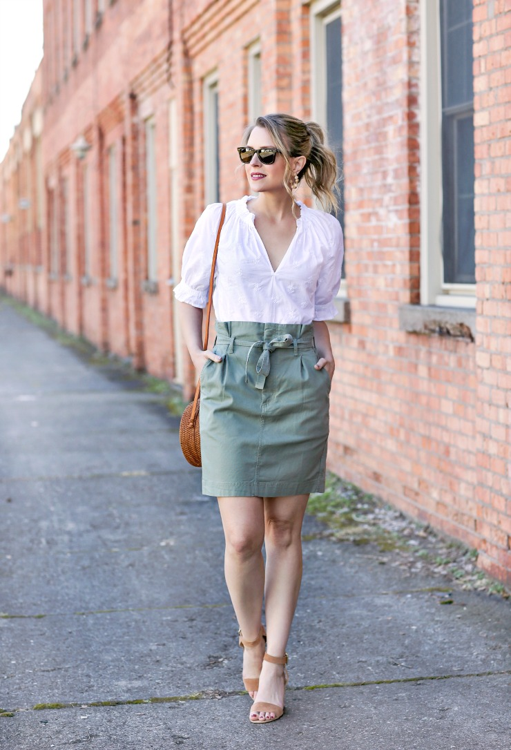 how to pull off the paperbag waist trend