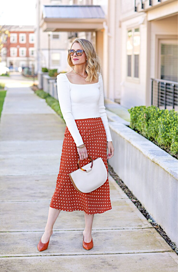 spring midi skirt outfit