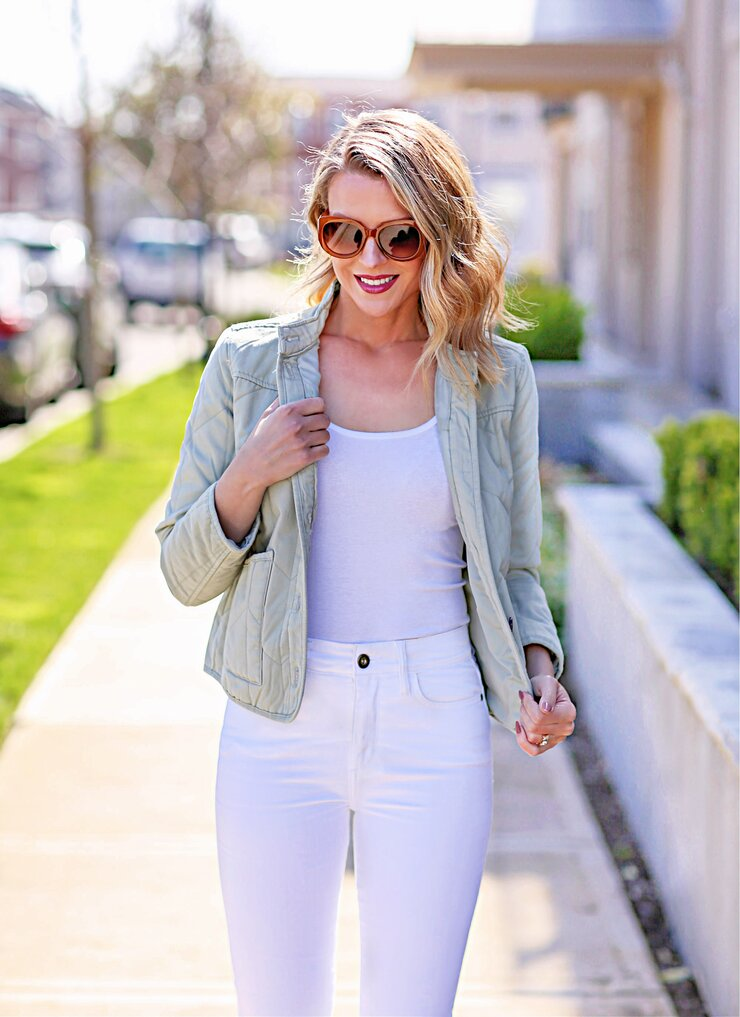 monochrome spring style