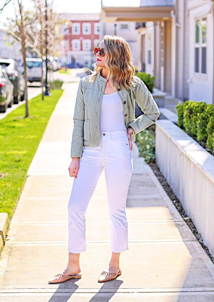 spring white jeans outfit